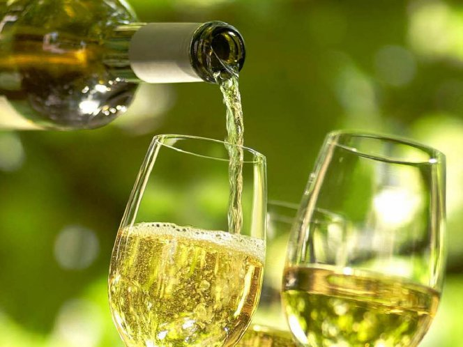 Сухое виноградное вино в домашних условиях