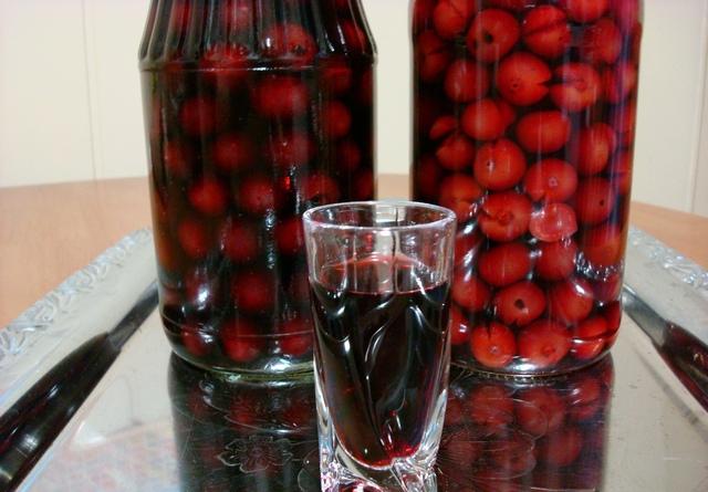 Приготовление настойки из вишни в домашних условиях