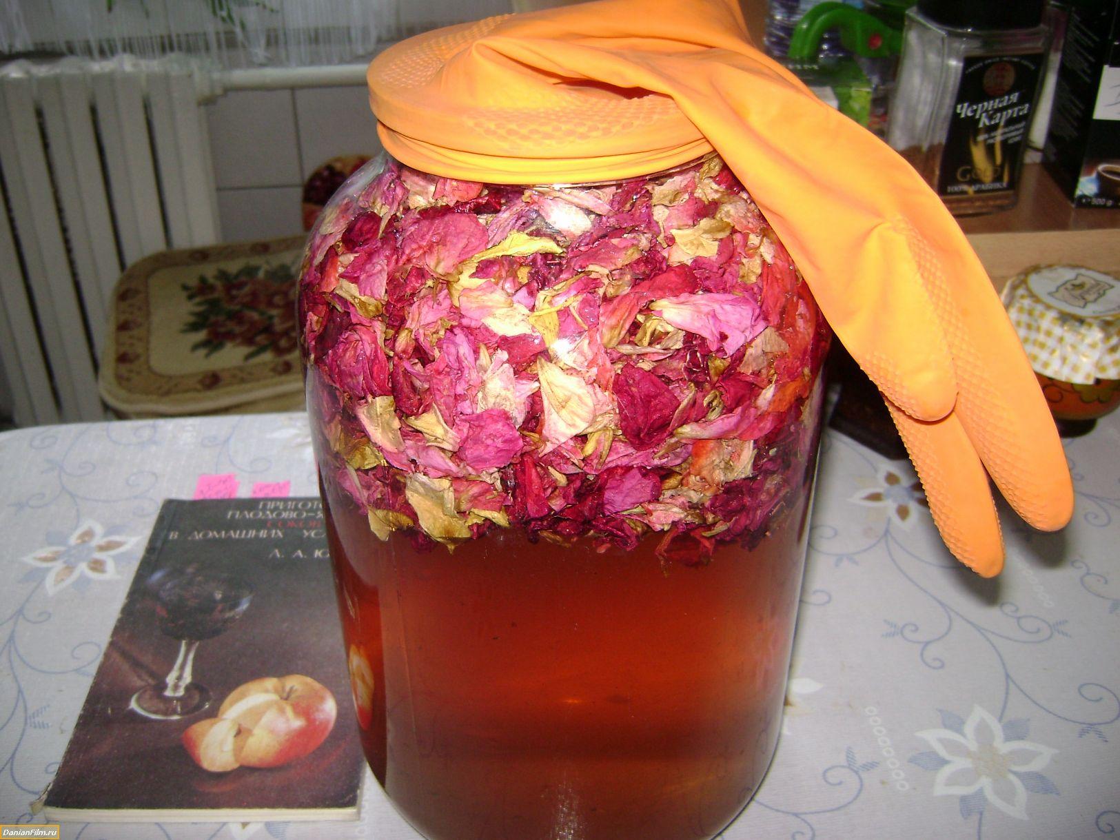 Наливка из лепестков розы в домашних условиях 437