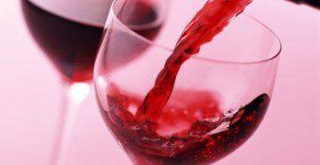 Как и с чем пьют розовое вино