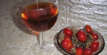 Как приготовить домашнее вино из шиповника